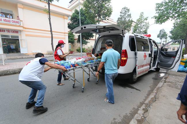 Chuyến xe 0 đồng ở Tiền Giang hỗ trợ kịp thời những hoàn cảnh khó khăn - Ảnh 2.