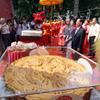 Lễ vinh danh bánh trung thu lớn nhất Việt Nam