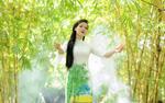 """Á hậu Trang Viên làm MV """"Màu hoa chiến công"""""""