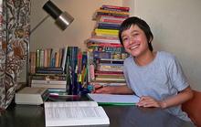 Thần đồng 14 tuổi được mời dạy toán ở trường đại học của Anh